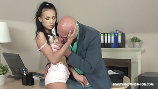 Hot and stunning Nicole Love likes hard sex with older dude on slay rub elbows with desk