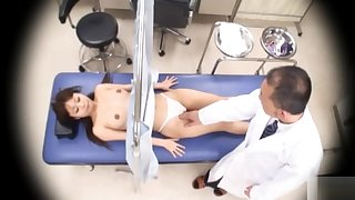 Japanese girl gets her pussy checked out with reference to detail!