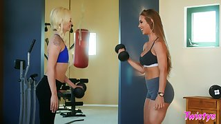 Many trainer Nicole Aniston gets naughty with Elsa Jean