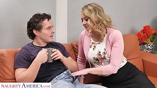 Superb MILF finds another exhibiting a resemblance to pay her savior after he fixes her car