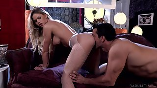 Impassioned fucking for gorgeous blonde MILF Jessa Rhodes
