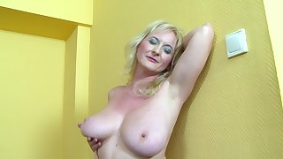 Mature amateur Monika Wipper wanted anal sex give a black gumshoe