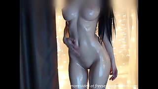 Awesome body oiled babe webcam dissimulation