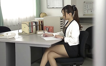 Off colour upskirt with Kurea Hasumi who has her coochie dicked deep